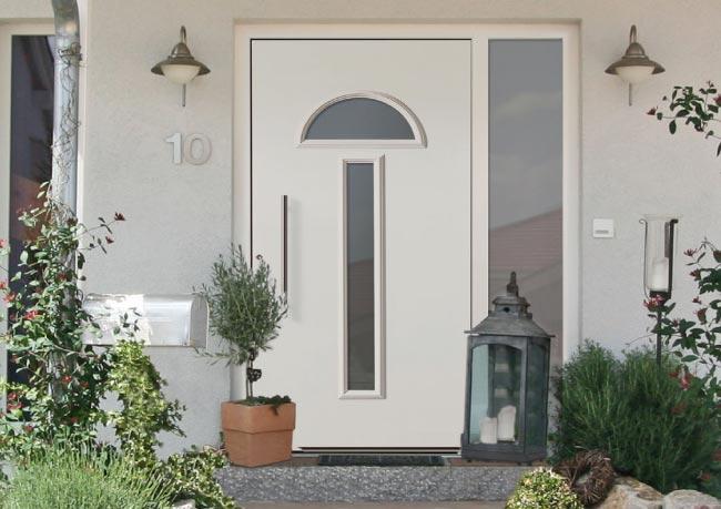 Formschönheit und Pflegeleichtigkeit:  Langlebige Funktionalität und pflegeleichte Formschönheit schließen sich bei perfecta Haustüren nicht aus.