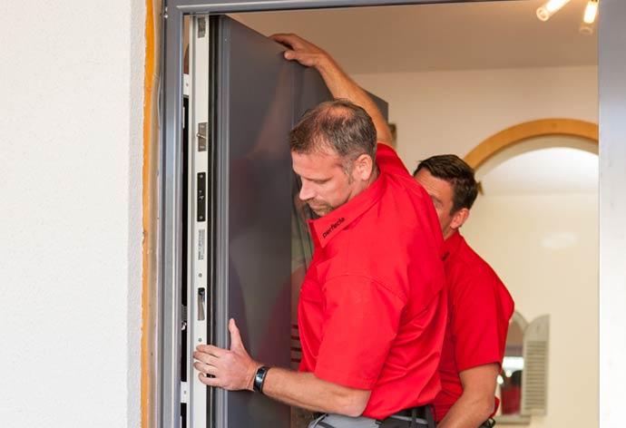 perfecta Haustürwechsel ohne Dreck - Türblatt einsetzen